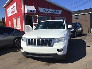 2013 Jeep Grand Cherokee Laredo, Sunroof, Leather, Camera, Heate