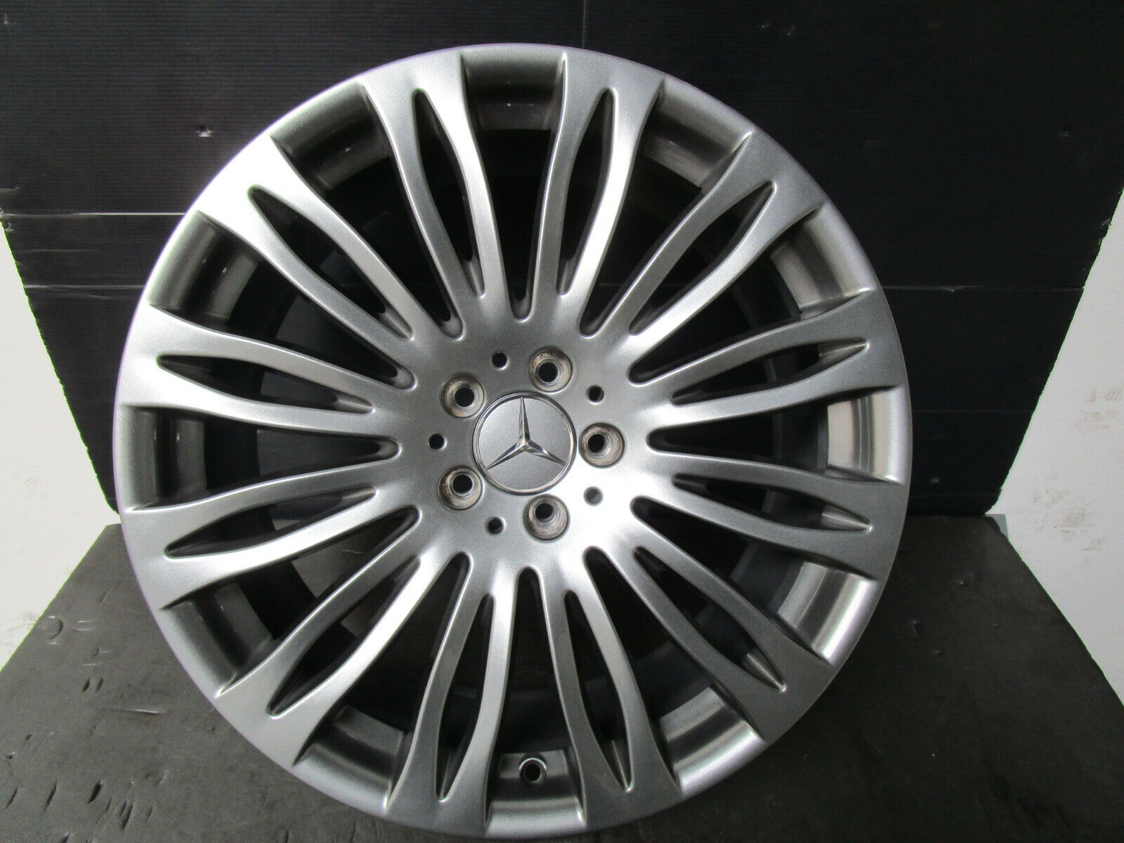 1x Original Mercedes S-Klasse W 222 Alufelge 8, 5J x 20 ET 36 A2224011702 Z253