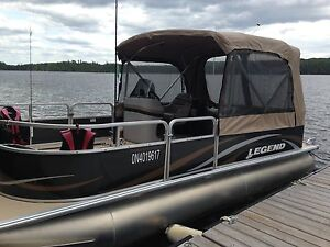 20' Legend Pontoon Boat