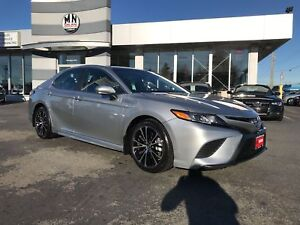 2018 Toyota Camry Hybrid SE Hybrid Sunroof Leather Loaded