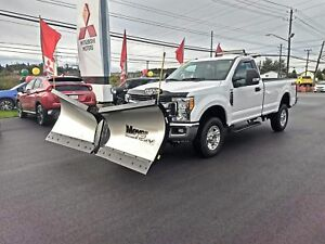 2017 Ford F-250 XLT WITH BRAND NEW PLOW