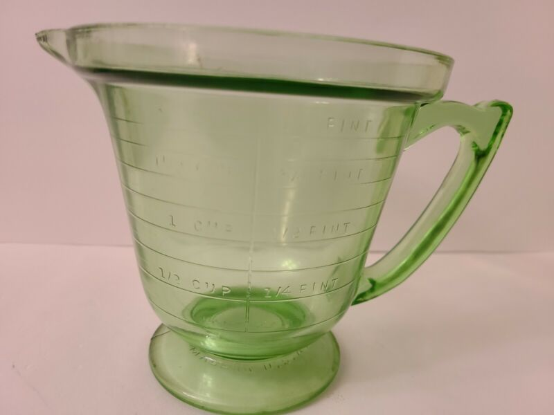 T&S Handimaid 2 Cup Green Glass Measuring Cup with Handle