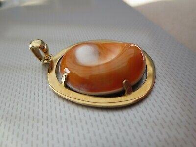 Magnifique pendentif en Or jaune 750 orné d'un Corail poli - 6.8 grammes