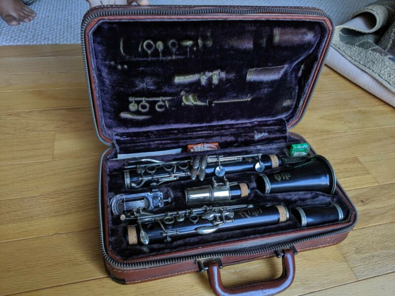 Henri Selmer Paris Centered Tone B flat Clarinet and original carrying case