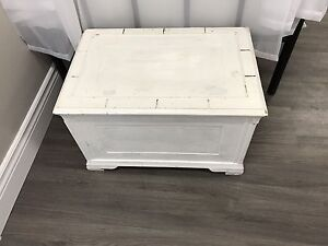 Distressed crate / chest