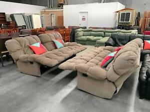 EXTREMELY COMFORTABLE 4 recliners set of 2x2 sofas set (lounge couch)