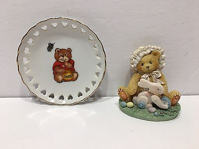 "Lot  (2)  Enesco  1994 MELISSA  ""Every Bunny Needs A Friend"" & ""1979 LUCY RIGG"""