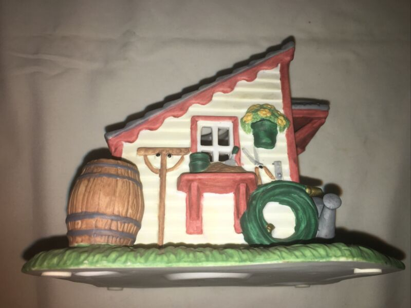 Partylite Garden Gardening House Shed Tealight Votive Candle Holder Country Farm
