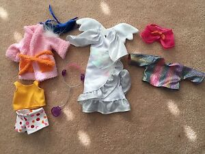 Assorted Groovy Girls clothing