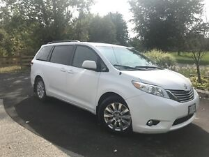 Fully Loaded 2011 Toyota Sienna XLE