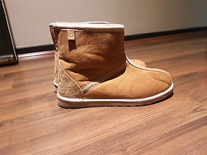 Ugg australia boots brand new Narre Warren Casey Area Preview