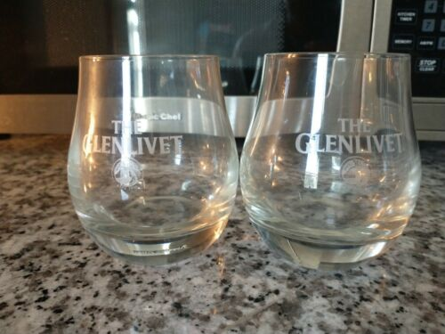2 Glenlivet Scotch Whiskey Pear Shaped Tasting Glasses George JG Smith !!!