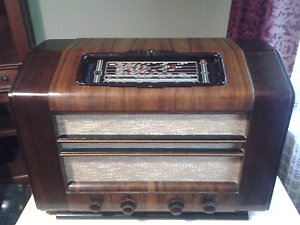 Vintage Philips radio The Basin Knox Area Preview