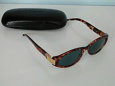 Vintage Gucci Sunglasses GG 2411/S in Original case.