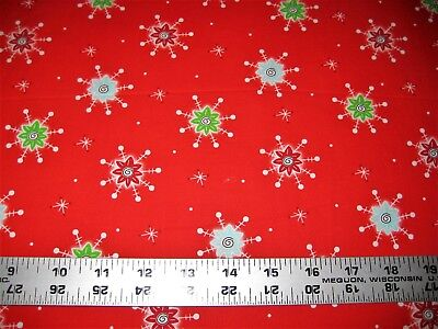 1/4 Yard Red Green White Atomic Snowflakes Christmas Fabric Quilt 100% Cotton - Red Snowflakes