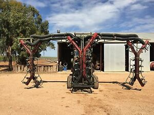 Silvan 3 row Vineyard Tri-wrap Turbomiser Sprayer 3500lt Lyrup Renmark Paringa Preview