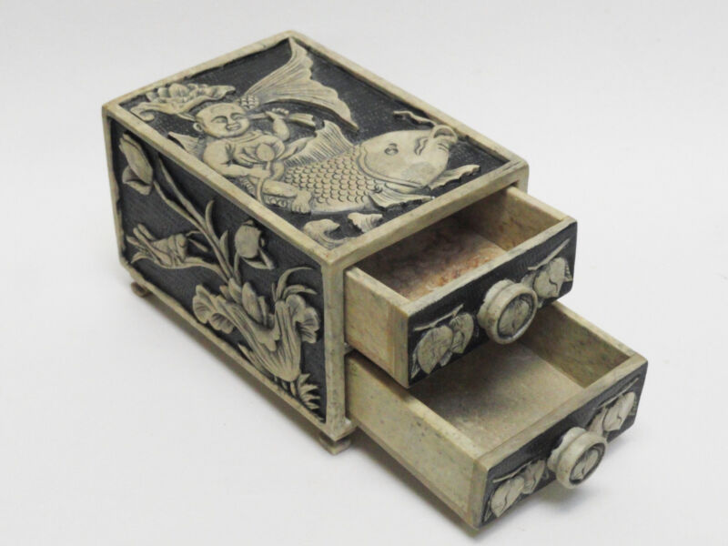 INTRICATE DEEP INCISED SOAPSTONE CHINESE TRINKET BOX w/ DRAWERS  饰品盒 鸡血石雕