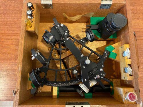 VINTAGE SIMEX MARINER SEXTANT IN WOODEN BOX W/CERTIFICATE OF EXAM Model MK II