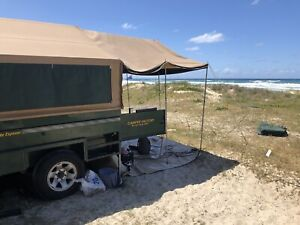 Offroad camper trailer with two large annex