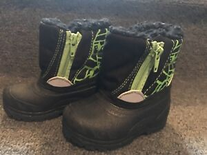 Size 3 new toddler boots