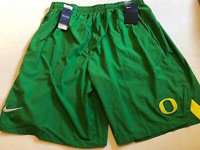 Nike College Shield Oregon Ducks Mens Shorts Size Medium Apple Green NWT