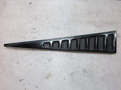 nn70620 Cadillac Escalade EXT 2002 2013 Avalanche RH Deflector Water Drain Trim