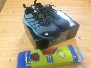 Steel toe work shoes/ boots