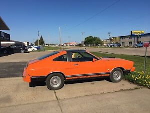 1977 Ford Mustang T5