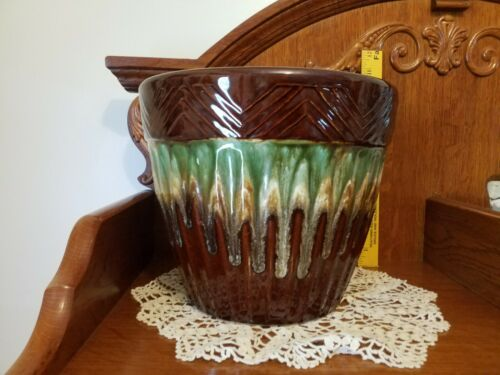 "Robinson Ransbottom Pottery 8.5"" Ribbed Blended Glaze Jardiniere/PRICE REDUCED"