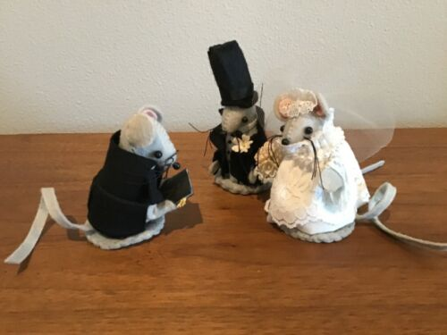 HANDMADE NEEDLE FELTED VINTAGE WEDDING COUPLE AND MINISTER GRAY MICE
