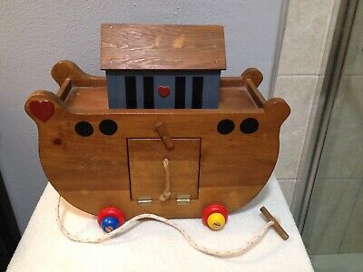 LARGE WOODEN NOAH'S ARK PULL TOY 28 ANIMALS NOAH