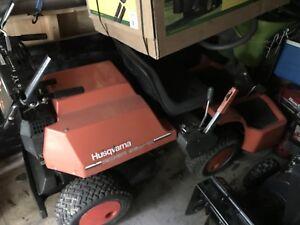 Riding grass mower