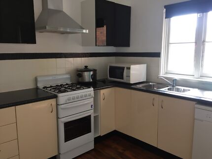 Spacious furnished room for rent at Neutral Bay