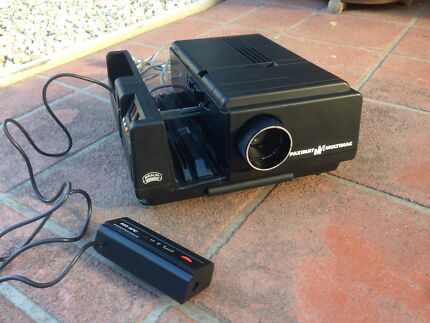 Bauhn slide projector with remote control