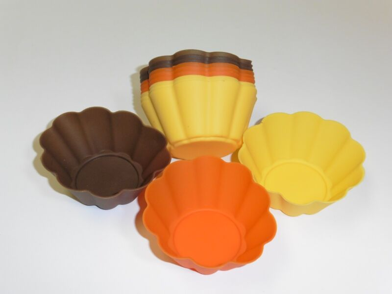 12 pc Harvest Colored Flowered shaped Silicone Baking cupcake Molds/Holder NEW
