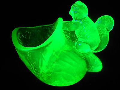 Green Vaseline glass salt dip cellar celt squirrel pattern uranium holder yellow