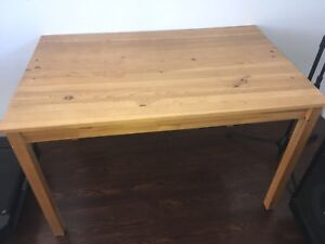 Table and chairs Must Sell