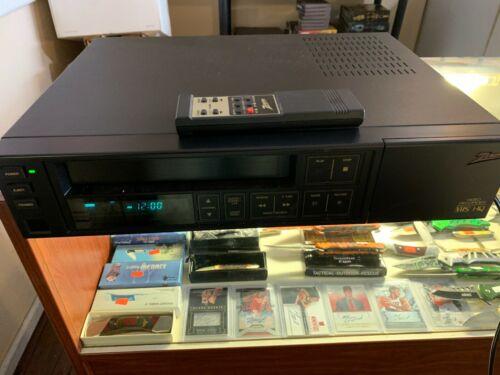 VINTAGE ZENITH MODEL VRS51 VHS VCR HQ RECORDER WITH REMOTE