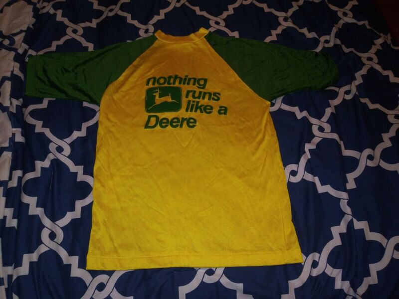 Vintage John Deere T-Shirt SMALL 70% Rayon 30% Cotton