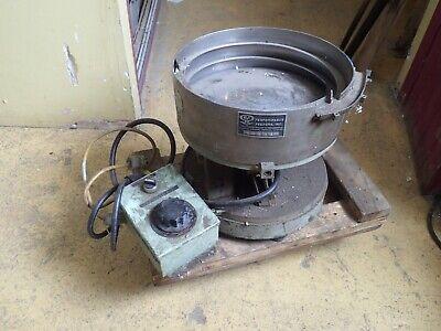 Performance Feeders 15 Vibratory Bowl Feeder Neutron 110v Controller Used Good