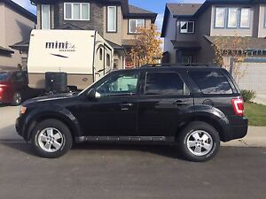 2011 Ford Escape XLT - PRICED TO SELL