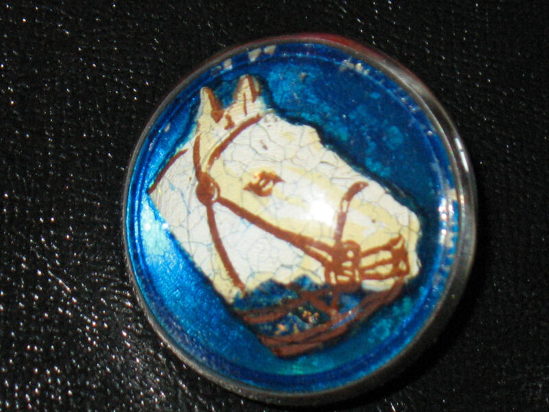HARD TO FIND VINTAGE BUBBLE GLASS WHITE HORSE WITH BLUE BACKGROUND-JL209