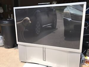 """Reduced - Sony 46"""" rear projection tv"""
