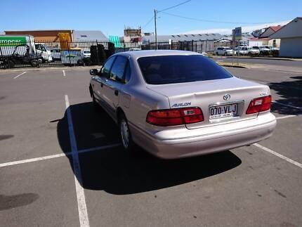 $300 Toyota Avalon 2001