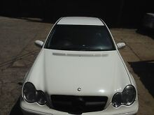 Must sell 04 Mercedes-Benz C200 without RWC and REGI Eight Mile Plains Brisbane South West Preview