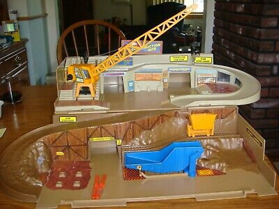 Vintage 80's Hot Wheels Sto-n-Go Construction Site Play Set Playset Incomplete
