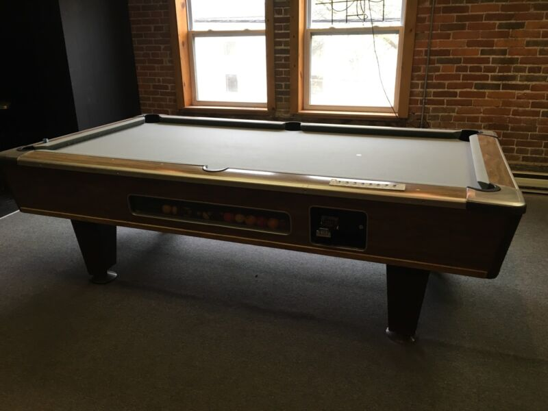 Brunswick Pool Table Coin-Op 8 x 4