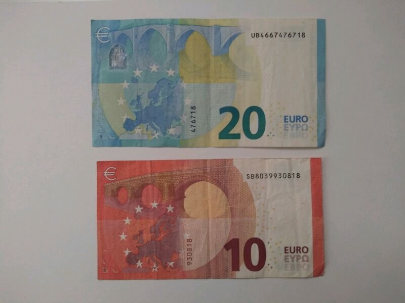 €30 / 30 Euros in Banknotes 20 & 10 euro banknotes real currency circulated