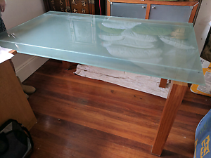 Dining room table North Curl Curl Manly Area Preview