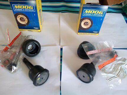 Chrysler  / Dodge / (mopar) upper ball joints